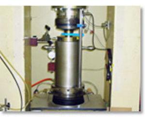 三軸圧縮試験時のAE発生状況のモニタリング